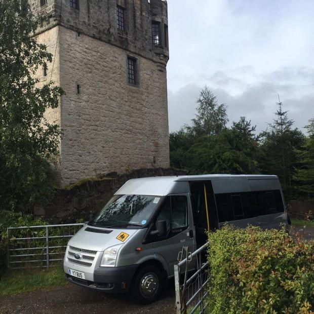 plane-castle-minibus-hire